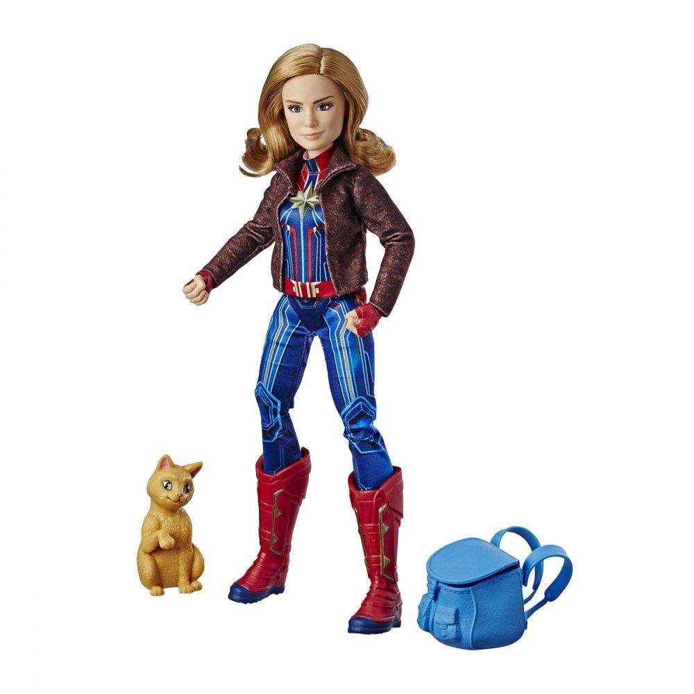 Boneca Capitã Marvel Deluxe 35cm Vermelha unidade Hasbro  UN
